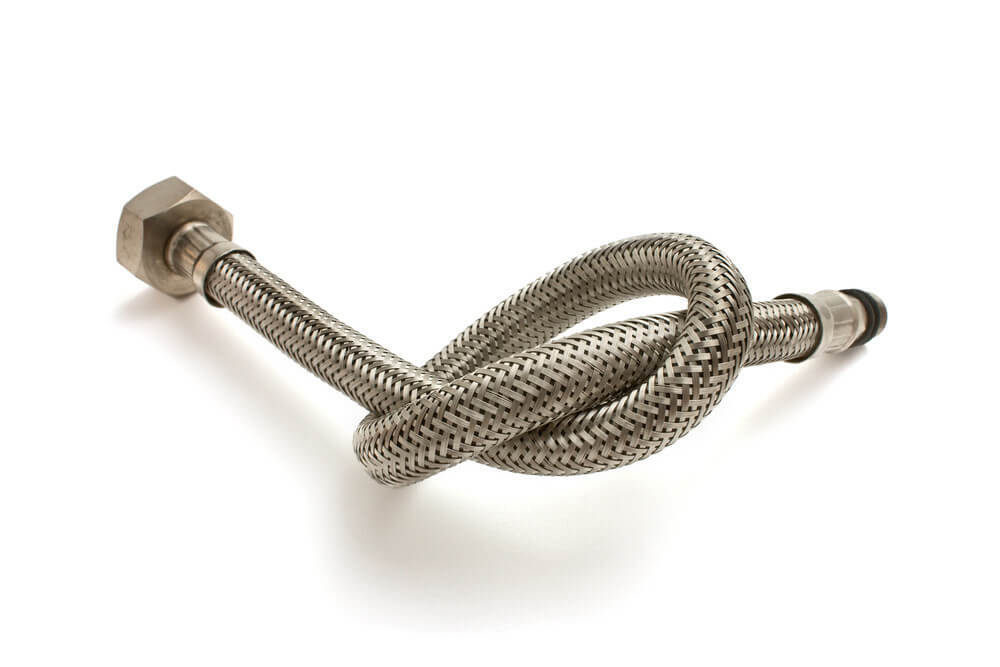 What to consider when buying a metal garden hose