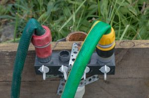 What are the Benefits of Using Garden Hose Splitters